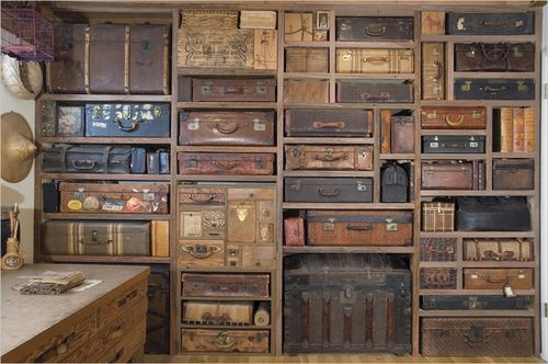 Suitcase-wall